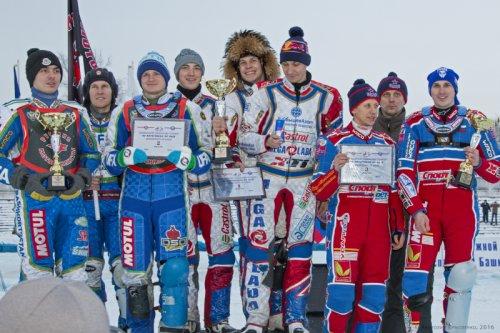 «Мега-Лада» стала новым лидером чемпионата России по мотогонкам на льду